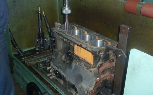 Honanje bloka motora