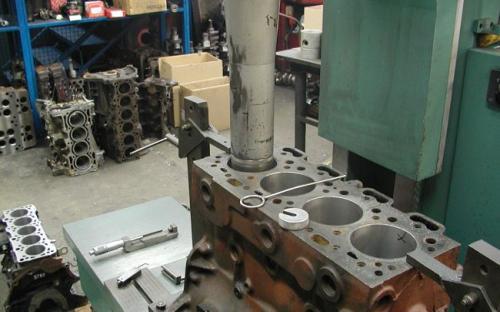 Bušenje bloka motora